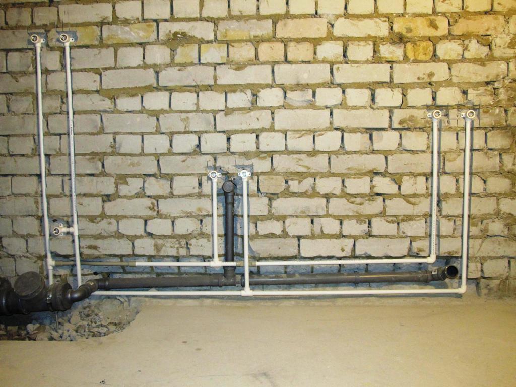 Разводка труб водоснабжения на даче своими руками
